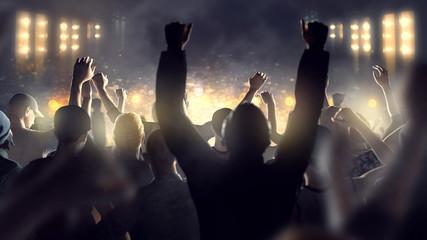 Menschenmenge feiert vor Bühne