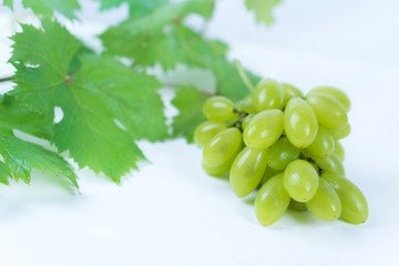 Illustration of green grapes.