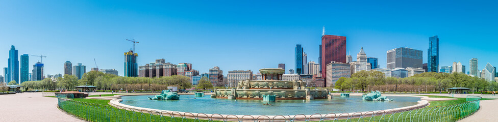Buckingham fountain in Grant Park, Chicago, USA