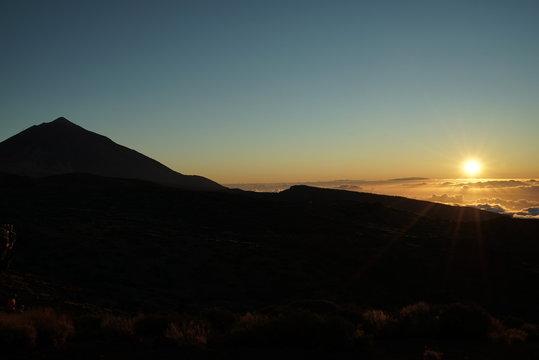 .......Spanien, Teneriffa, Sonnenuntergang, Teide, Vulkan