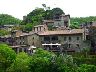 Rupit y Pruït, pueblo de Barcelona ( Cataluña,España) de la comarca de Osona  al este de la Sierra de Cabrera