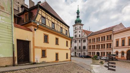 Marktplatz im historischen Zentrum von Loket am Fluss Eger (Cheb), Tschechische Republik
