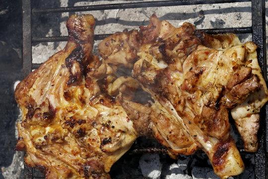 Poulet grillé à la braise