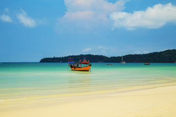 Snow-white beach and turquoise sea on the island Koh Rong Samloem. Wall mural