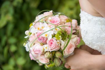 Hochzeit Heiraten Hochzeitspaar Details Schmuck Deko Ringe Anzug Kleid