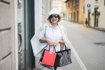 Lady doing shopping