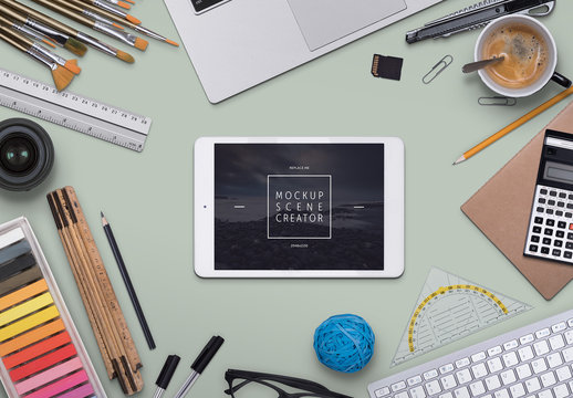 Scene Creator with Tablet and Desk Accessories