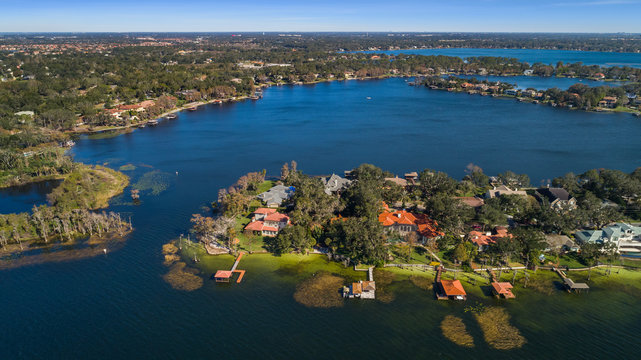 Aerial Shot of Lakeside Homes in Florida