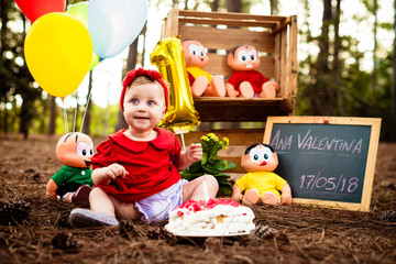 Smash the cake - 1 year anniversary - photo essay with baby