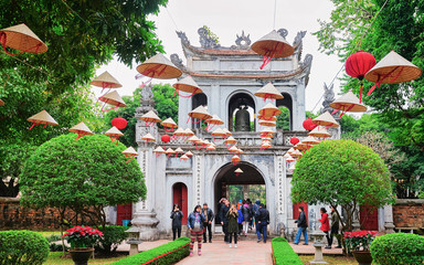 Spoed Foto op Canvas Bedehuis Courtyard of Temple of Literature in Hanoi