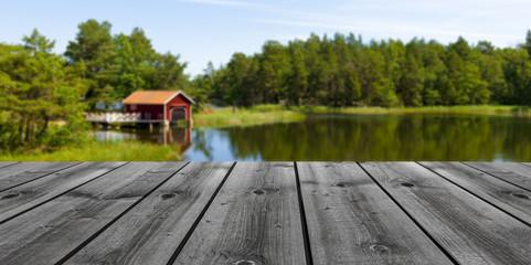Holzterrasse am See
