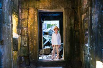 Girl in Siem Reap temple