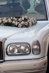 Limousine mit Blumenschmuck