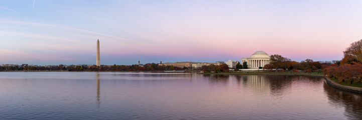 Jeffeerson Memorial and Washington Monument reflected on Tidal Basin in the evening, Washington DC, USA. Panoramic image Fotomurales