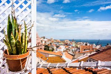 bom dia lisboa, Blick über Alfama; Lissabon, Portugal, Europa