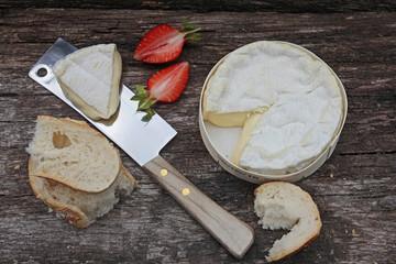 baguette und camembert