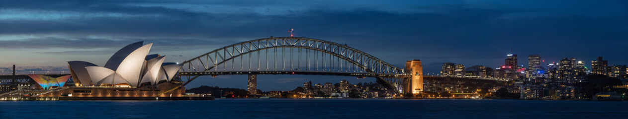 Photo sur Plexiglas Sydney Sydney harbour at dusk, Sydney NSW, Australia