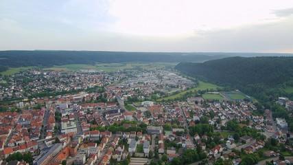 Honberg Sommer Aufnahme mit einer Drone von oben Blick auf Donautal Ruine Honburg in Tuttlingen in Süddeutschalnd in Europa