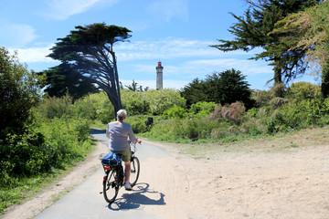 Vélo sur l'île de Ré et le phare des Baleines, Charente-Maritime, France