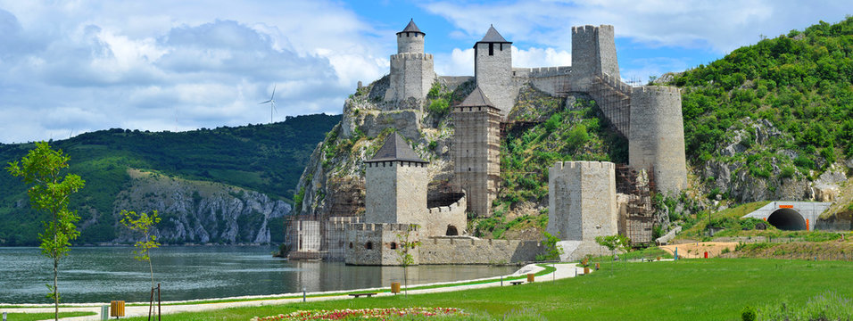 Panoramic view of Golubac fortress