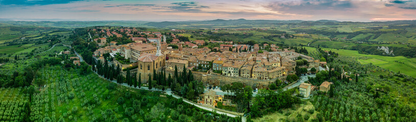 Pienza small town in Tuscany Fototapete