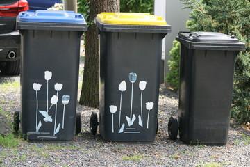 Mülltrennung Mülltonnenverzierung