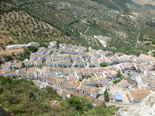 Zahara de la Sierra, pueblo blanco de Cádiz, Andalucía (España). Se encuentra en el centro del Parque natural Sierra de Grazalema
