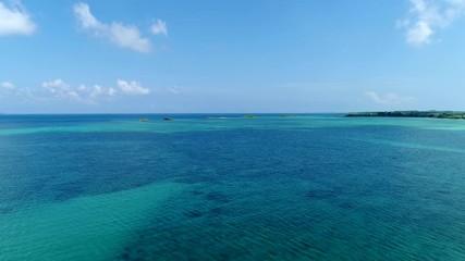 Wall Mural - 沖縄の海 宮古島 ドローン撮影