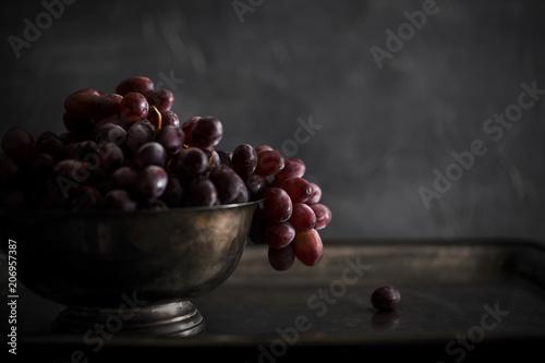 d5da45d89eba32 Red Grapes in Bowl