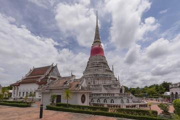タイの仏塔プラサムット・チェーディー
