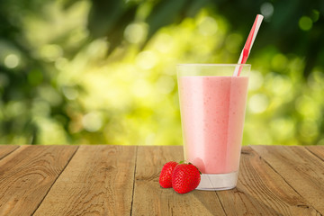 Fotobehang Milkshake strawberry smoothie in glass