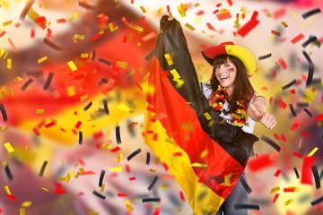 Deutsche Fussballfan mit Flagge