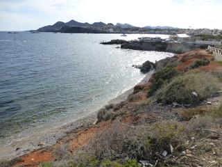 El cabo de Palos, cabo y poblacion de España en aguas del mar Mediterráneo que se encuentra en el municipio de Cartagena, en la Región de Murcia (España)