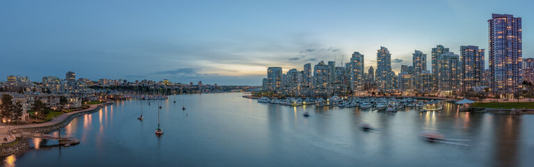 Wall Murals New York Panorama of Yaletown and downtown Vancouver after sunset.