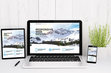 Wall Mural - devices on table with responsive design