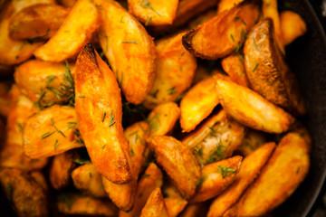 Fotoväggar - Baked potato fries on wooden table
