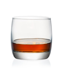 Fototapete - Whiskey in glass on hite background