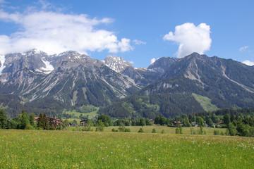 Blick zum Dachsteingebirge