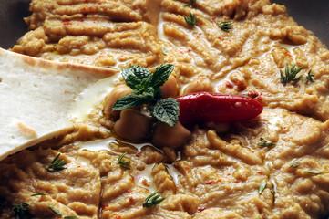 حُمُّص Hummus յամոս χούμους Humus חומוס Houmous خوراک フムス Хумус 鹰嘴豆泥 حمص 후무스 bi tahini