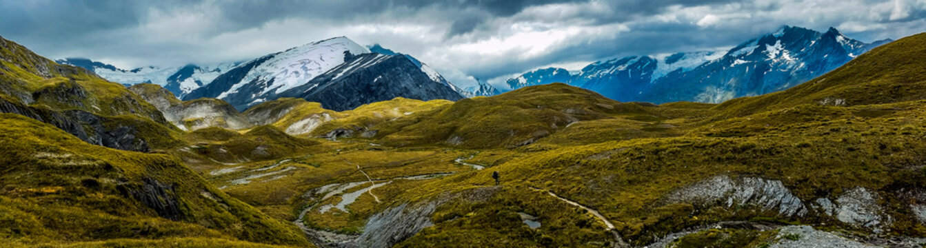 panoramic view of the alpan mountains of Cascade Saddle, New Zealand