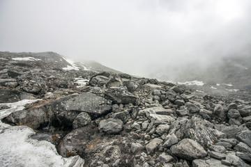 Himalaya gletscher in Wolken