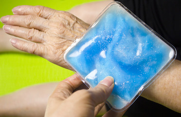 Ice pack for muscle aches