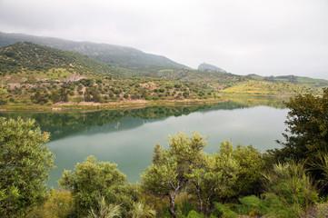 Printed kitchen splashbacks River Embalse de Zahara in Andalusien, Stausee nahe Zahara de la Sierra