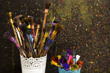 ebru sanatında kullanılan fırçalar