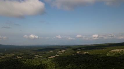 [空撮写真]ドローン空撮 青空と丘