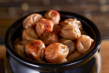 甕に入った梅干し (pickled plums)
