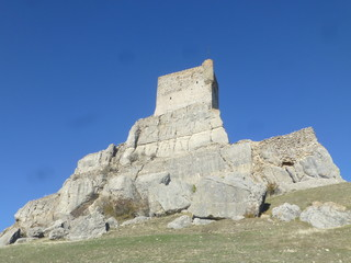 Castillo y muralla de Atienza en Guadalajara. Pueblo historico de la comunidad autónoma de Castilla La Mancha (España)