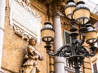 Quattro Canti 1606, Palermo Baroque facade at the south-west corner with details of the statue of the Spring and old street light, Palermo. Italy