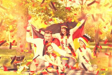 Familie Feiert im Park Deutschen Sieg