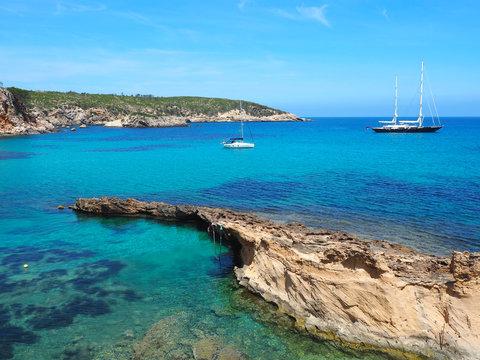 Ibiza - Küste in der Nähe von Portinatx
